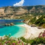 poza Oferiți-i sejurului dumneavoastră în Corfu un strop de  adrenalină și bucurați-vă de cele mai  populare sporturi nautice