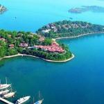 poza Cele mai apreciate unități  de cazare din Fethiye care oferă turiștilor acces la  plajă privată și piscine