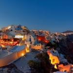 poza Descoperiți atmosfera magică de care este învăluită Insula Santorini în perioada Crăciunului